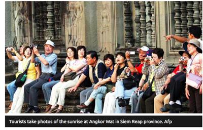 - flere turister men mindre inntekter
