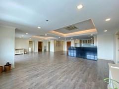 Condominium for sale Pratumnak Pattaya