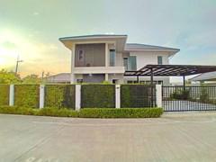 4-bedroom Pool Villa for rent Pattaya