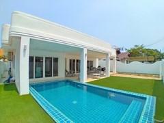 Modern Pool Villa For Rent Jomtien Pattaya
