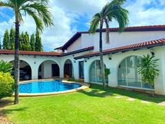 3+1 Pool Villa for rent Mabprachan Pattaya