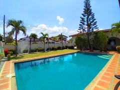 House For Rent Mabprachan With Pool
