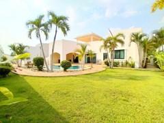 House For sale Pattaya Mabprachan with Pool