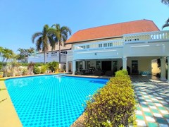 House for sale North Pattaya with Pool
