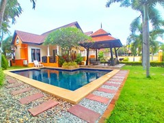 House for sale Pattaya Jomtien with pool