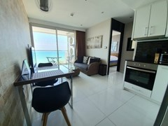 1 bedroom condo for rent at Amari Residences