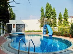 5-bedroom House for Rent in East Pattaya