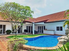 3-bed Pool Villa for rent in Pattaya gated community