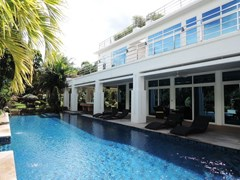 Pool Villa for Sale in Pattaya on Phoenix Golf Course