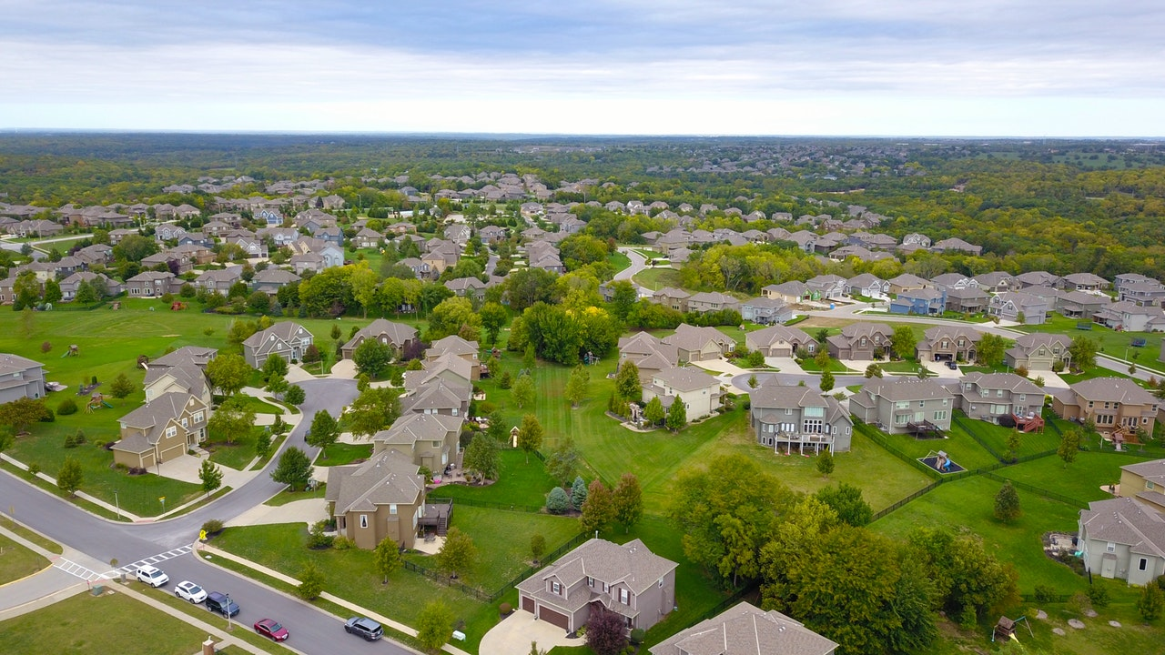Assess the direction of the housing market in 2020