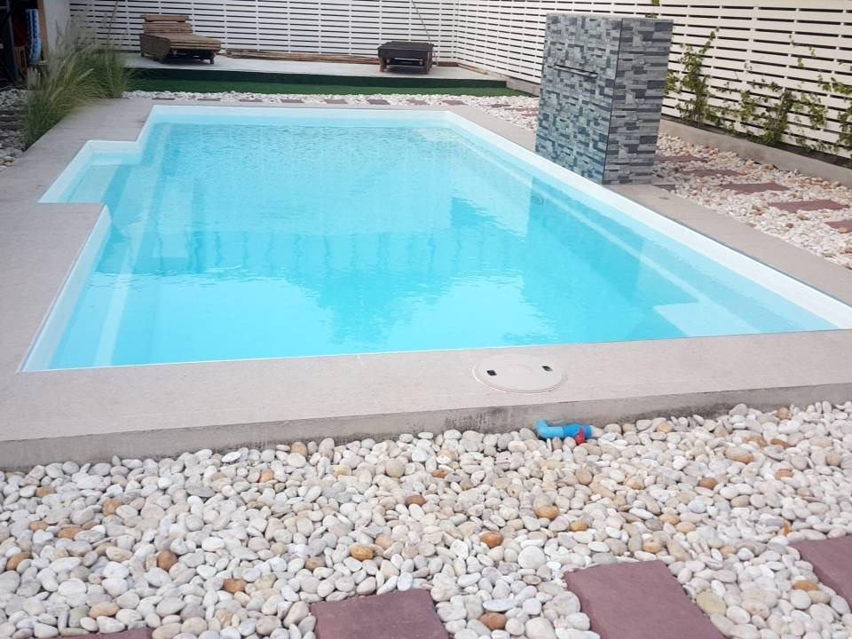 10 Reasons why fibreglass pools are better